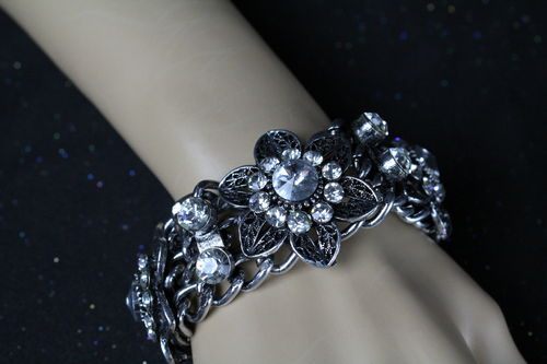 Rugged Antique Silver Rhinestone Flower Chain Clasp Bracelet