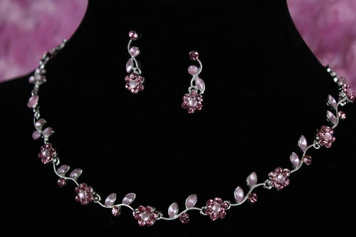 Delicate Textured Floral Vine w/ Pink Pearlesque & Rhinestones Jewelry Set