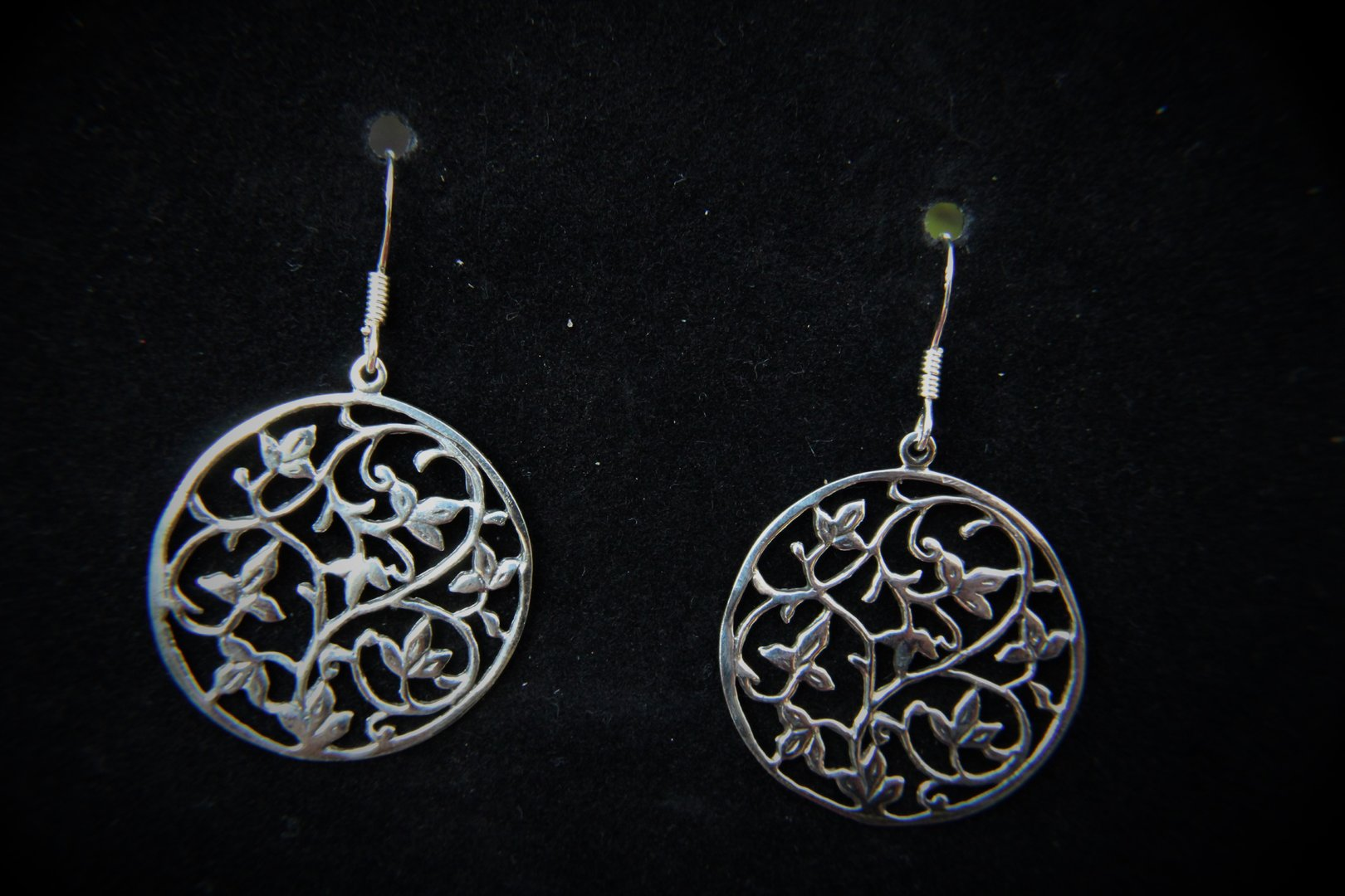 fanciful filigree sterling silver leaf dangle