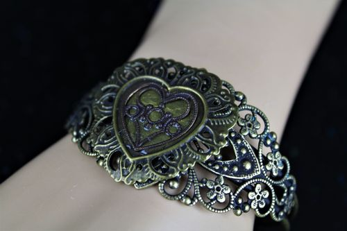 Shabby Chic Rustic Patinated  Victorian Filigree Heart Brass Cuff Bracelet (Handmade)