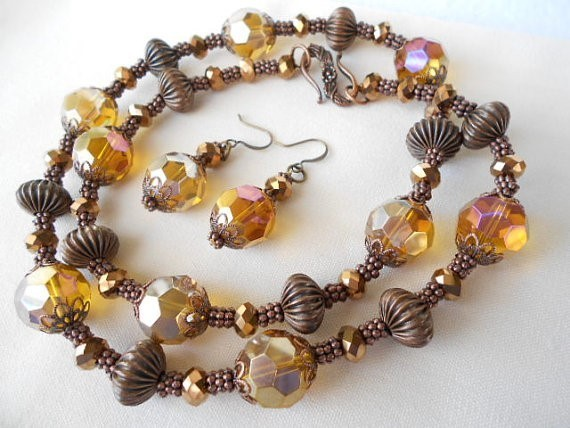 Gold And Copper : Elegant gold and copper vintage style necklace and earring set