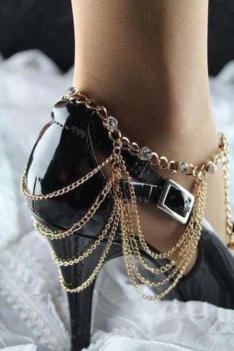 Graceful Chain Drape Rhinestone Heel Chain Anklet - Gold