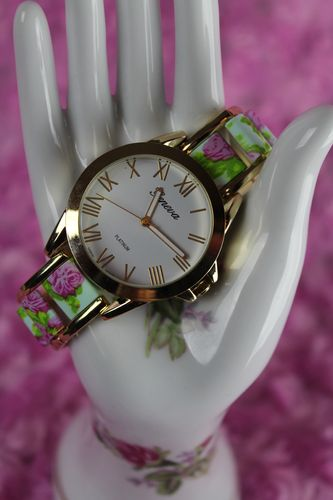 Lovely Floral Oyster Band Roman Numerals Round Dial Quartz Watch