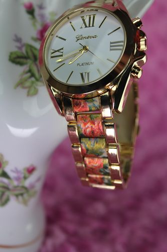 Floral Printed Oyster Band Gold Quartz Fashion Watch