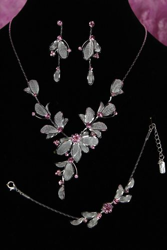 Lovely & Feminine Pink Rhinestone with Silver Mesh Floral Jewelry Set