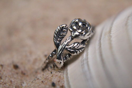 Beautifully Detailed Flower Sterling Silver Toe Ring (Ass't Floral Styles)