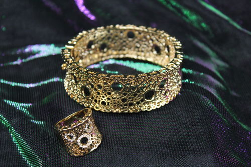 Bubble Filigree Fashion Gold Plated Snap Closure Bangle Bracelet and Ring Set