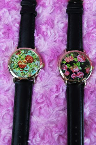 Romantic Rose Pattern Holographic Ladies Watch W/ Black Faux Leather Adj. Band