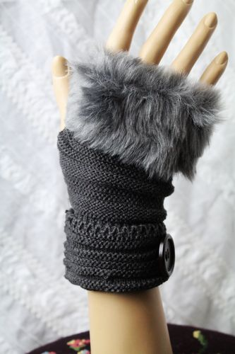 Glamorous Faux Fur Trim & Button Accent Knit  Fingerless Thumb Hole Gloves (5 Colors)