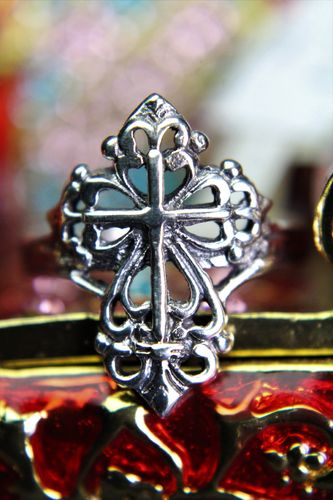 Sterling Silver Victorian Cross Ring Ornate Fleur de Lis Filigree Statement Ring