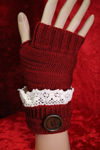 Fingerless Gloves Vintage Lace and Buttons Accent Knitted Arm Warmers