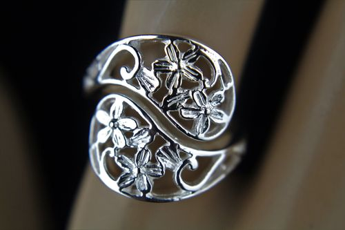 Sterling Silver Ring Flower Filigree Spoon Style Wrap Around Yin and Yang Shape