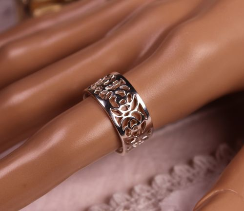 Sterling Silver Flower Ring Laser Cut Circle of Roses Band Style